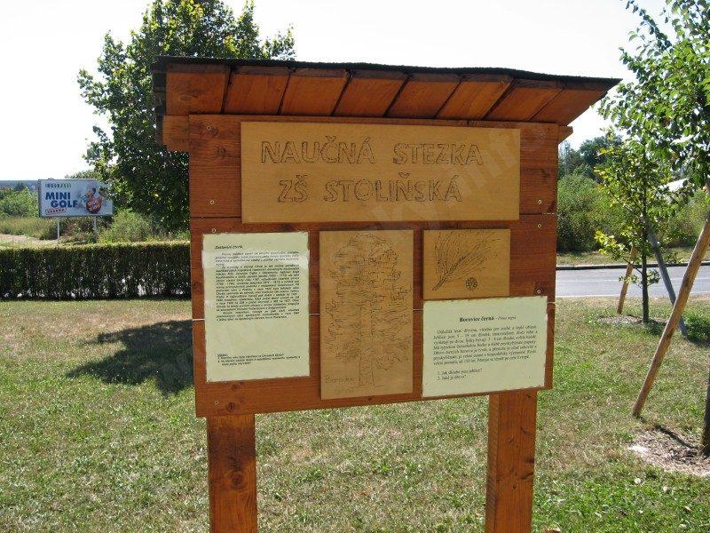 informační panel naučné stezky ZŠ Stoliňská