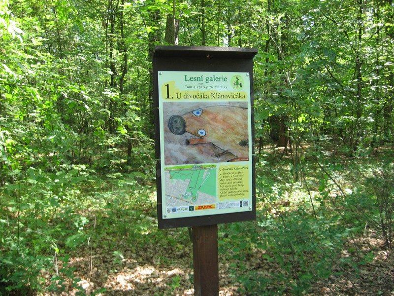 informační panel naučné stezky Lesní galerie