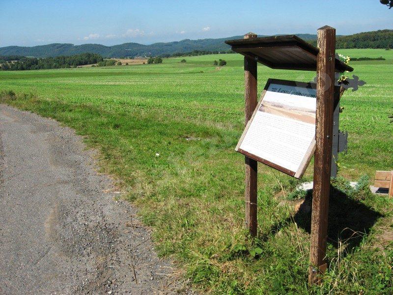 informační panel naučné stezky Lesní panorama