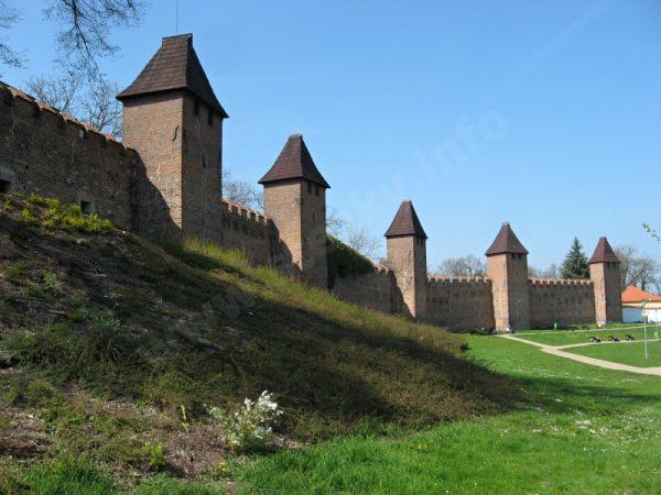městské hradby v Nymburku