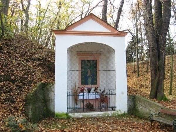 kaple Panny Marie Sedmibolestné v Lysolajích